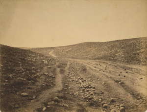 Roger_Fenton_-_Shadow_of_the_Valley_of_Death